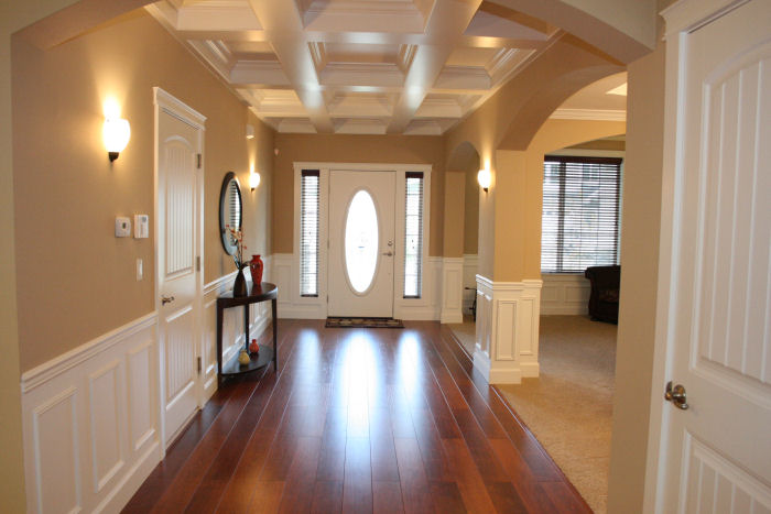 4br beautiful bonney lake home for rent bonney for Foyer wood floor designs